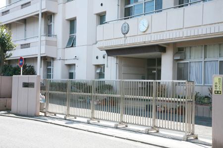 横浜市立西中学校の画像