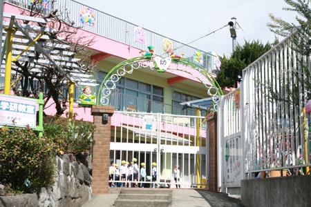 藤棚幼稚園の画像
