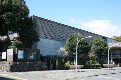 神奈川県立図書館の画像1
