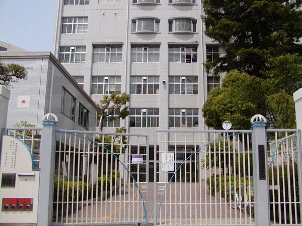 夕陽丘高等学校の画像