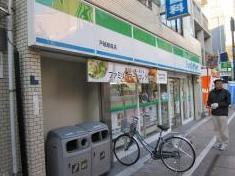 ファミリーマート戸越銀座店の画像1