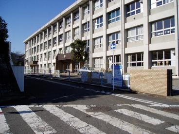 横須賀市立鷹取小学校の画像1