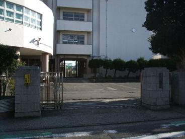 横浜市立六浦中学校の画像2
