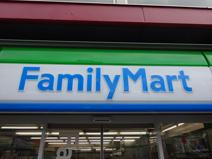 ファミリーマート茨木横江店