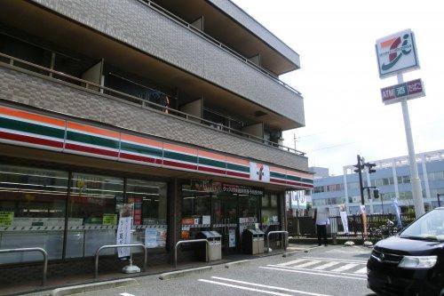 セブン-イレブン 横須賀日の出町3丁目店の画像