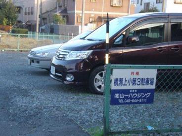 横溝上小第3駐車場の画像1
