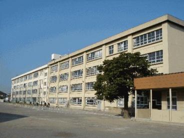 茅ケ崎市立鶴嶺中学校の画像1