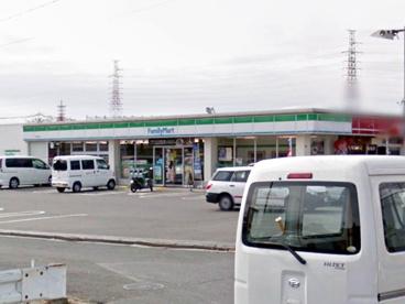 ファミリーマート茨木鮎川店の画像1