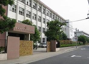 東陽中学校の画像1