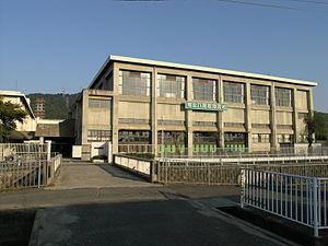 大阪府立八尾翠翔高等学校の画像1