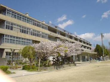 守口市立 梶小学校の画像1