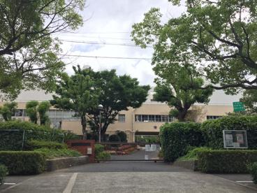 芦屋市立 潮見小学校の画像2