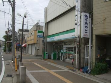 ファミリーマート阪神大物駅店の画像1