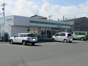 ファミリーマート 日立東金沢店の画像1