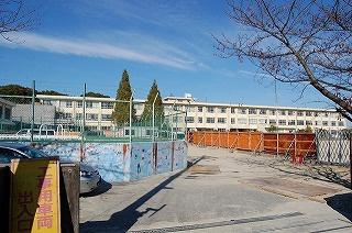 四日市市立 泊山小学校の画像