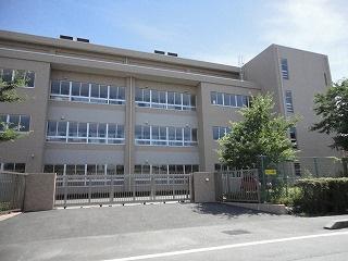 四日市市立 楠小学校の画像