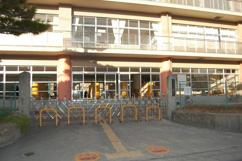 四日市市立 八郷小学校の画像