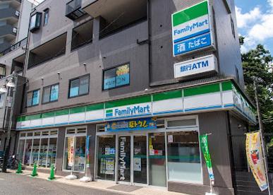 ファミリーマート 豊島園駅前店の画像1