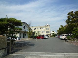 四日市市立富田中学校の画像