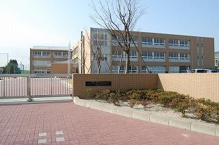 四日市市立港中学校の画像