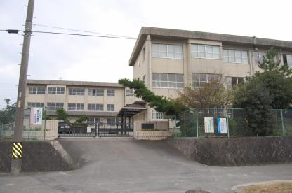 四日市市立西朝明中学校の画像1