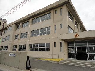 四日市市立 富州原中学校の画像