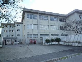 四日市市立桜中学校の画像