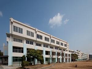 川西市立 緑台小学校の画像1