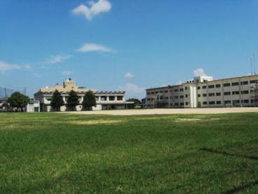 川西南中学校の画像1