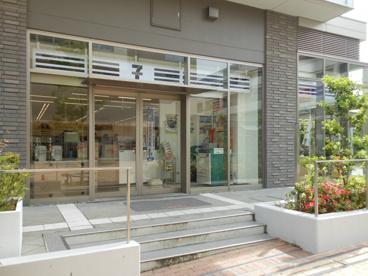 セブン−イレブン 阪急山田駅前店の画像1