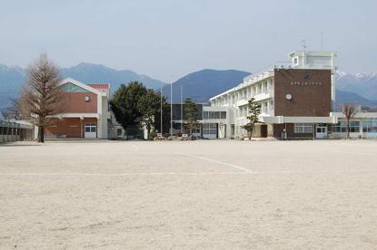 菰野町立 朝上小学校の画像1