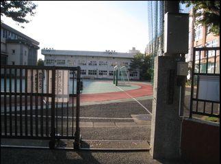 寺島中学校の画像1