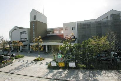 宝塚市立中学校 山手台中学校の画像1