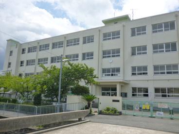 高槻市立 柳川小学校の画像2