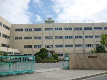 冠中学校の画像2