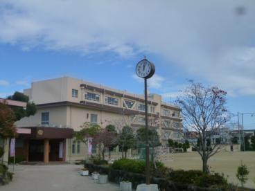 茨木市立東中学校の画像1