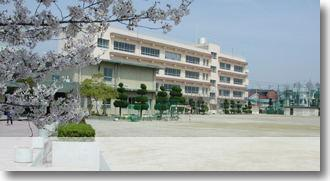 茨木市立東中学校の画像2