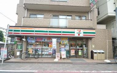 セブンイレブン大田区武蔵新田駅東店の画像1