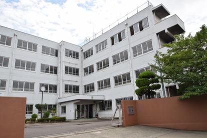 高槻市立川西中学校の画像1