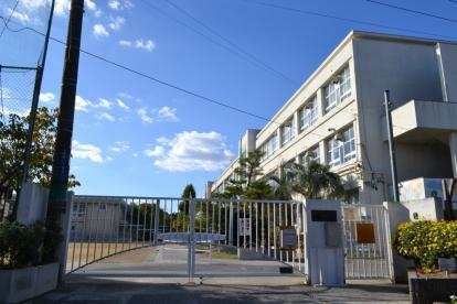 寝屋川市立啓明小学校の画像1