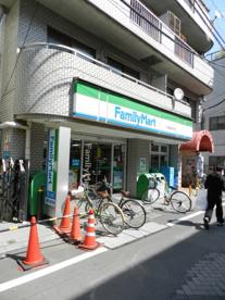 ファミリーマート 戸越銀座駅西店の画像1