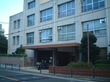 大阪市立高津中学校の画像1