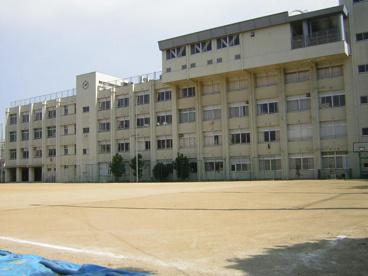 大阪市立玉津中学校の画像2