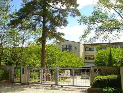 西宮市立甲稜中学校の画像