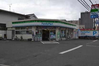ファミリーマート寝屋川初町店の画像1