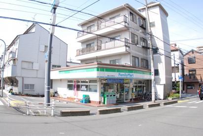 ファミリーマート寝屋川石津南町店の画像1