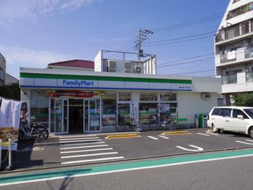 ファミリーマート練馬大泉小学校北店の画像1