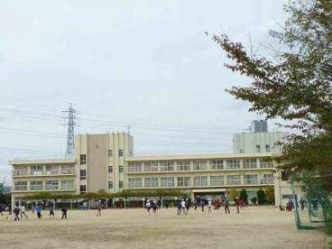 宝塚市立 安倉小学校の画像1