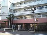 私立聖母大学