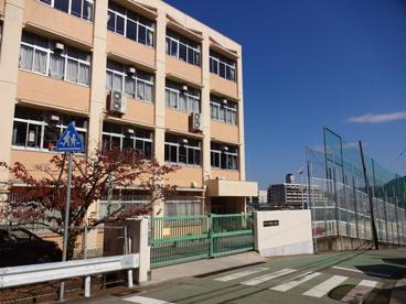 神戸市立甲緑小学校の画像1
